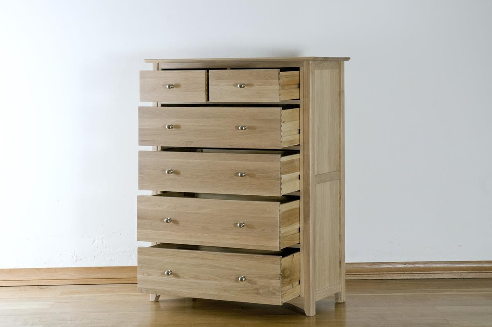 Chatsworth solid oak bedroom furniture 2 over 4 chest of for Solid oak bedroom furniture